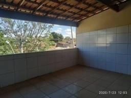 Casa enorme no Jk III com 1 suíte + 3 quartos com varanda esta com um preço imperdível!!