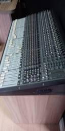 Mesa de áudio Mackie Onix 32.4