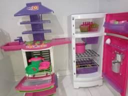 Conjunto de cozinha e geladeira infantil