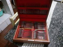 Jogo Faqueiro Inox no estojo de madeira 98 peças