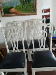 Lindas  cadeiras de Madeira