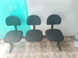 Cadeira longarina secretária 3 lugares