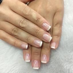 Precisa de manicure que faça gel
