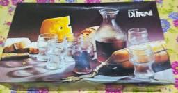 Conjunto de jarra e copos para servir bebidas