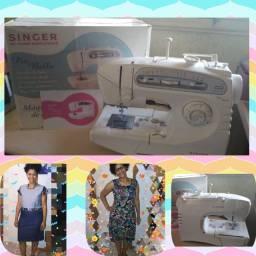 Máquina de costura doméstica Singer Piu Bella, braço livre