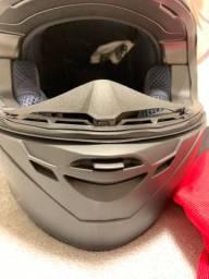 Capacete Revenge MT Helmets