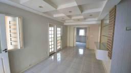 AL - Casa em condomínio com 04 suítes + DCE completo
