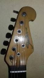 vendo essa guitarra muito boa tinbre excelente