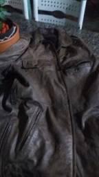 Blusão de couro usado
