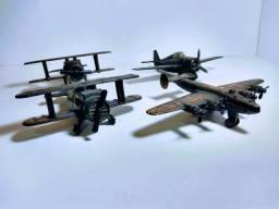 04 Miniaturas de aviões apontadores de lápis