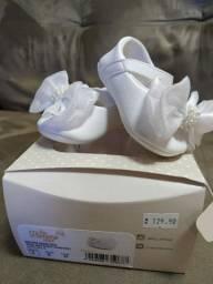 Sapato + Faixa Cabelo R$60,00