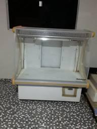 Balcão de Frio bem conservado com todos acessórios de dentro dele