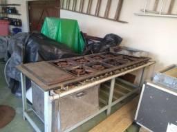 Fogão Industrial de 8 bocas com forno