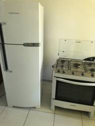 Combo geladeira e fogão
