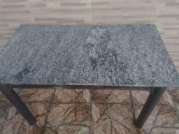 Vendo mesa de 6 lugares com pedra mármore