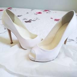 Sapato Shoestock Peep Toe Cetim Branco