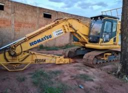 Escavadeira Komatsu