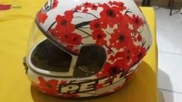 Vendo este capacete femino