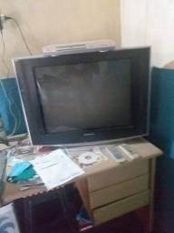 Televisão com um dvd