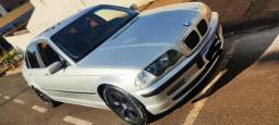 Título do anúncio: BMW 325 IA 2001