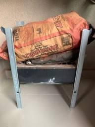 Mini churrasqueira para espaços pequenos