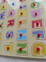 Tabuleiros de montar auxílio visual para alfabetização infantil