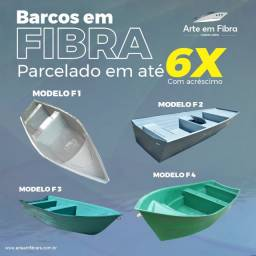 Barcos de fibra sob encomenda