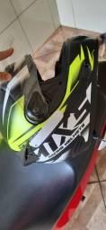 Vendo 2 capacetes tamanho 60 zap 9  *