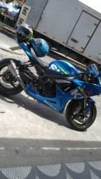 Moto Suzuki srad 750 gp
