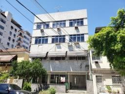 Apartamento grande 2 Quartos com Dependência Completa na Vila da Penha