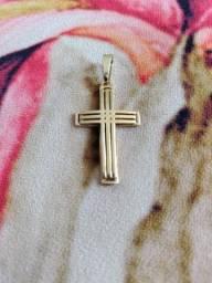 Pigente crucifixo em ouro quase 4 gramas