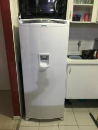 Geladeira Consul CRG36AB Frost Free 1 Porta 300 Litros com Dispenser de Água