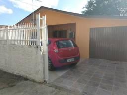 Casa, Vila Elza, 3 quartos, 2 banheiros e garagem para dois carros com churrasqueira