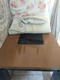 Vendo uma mesa 6 cadeiras e uma cômoda 150 reais cada zap 988515171