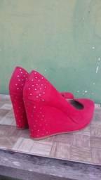Vendo sapato+vestido bem conservados
