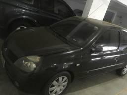Clio 2004 8v 1.0 básico R$ 10.000 - 2004