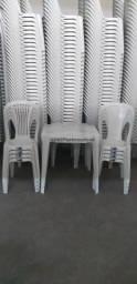 Conjunto de Mesa e Cadeiras Plásticas, R$125,00. Até 6x No Cartão