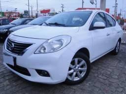 Nissan Versa 1.6 SL 2014/2014 + IPVA 2020 GRÁTIS - 2014