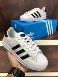 Tênis Adidas Superstar $150,00