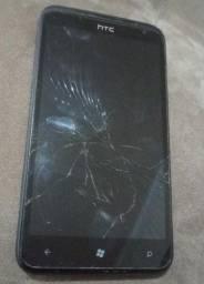 Celular HTC com carregador