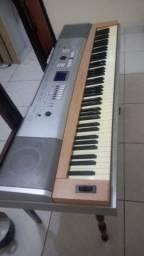 Piano Digital Yamaha DGX 620