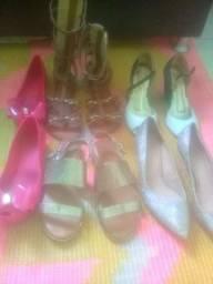 5 pares de sandalias 110 reias  todos