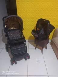 Carrinho Cosco Nexus com bebê conforto completo