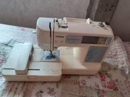 Máquina de bordar  R$:1.000