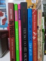 Livros de 15 há 10 reais seminovos