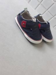 Sapato para bebê semi novo
