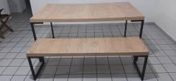 Mesa e banco de madeira contemporâneo tokstok