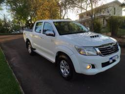 Toyota Hilux 4x4 2015