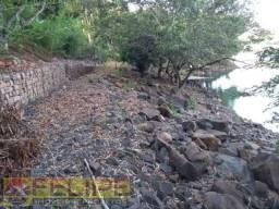 Chacara na Beira da Represa, na cidade de Ourinhos/SP