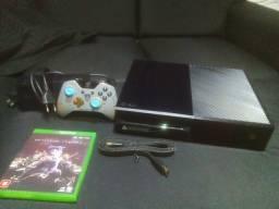 Xbox one usado em ótimas condições + controle personalizado de Halo + jogo brinde